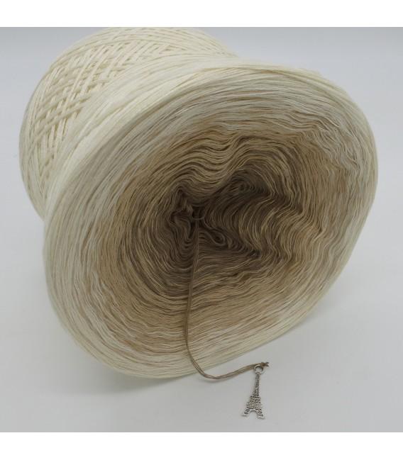 gradient yarn 4ply Sandelholz - Cream outside 3